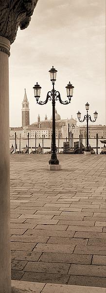 B2591D - Blaustein, Alan - Piazza San Marco No. 1