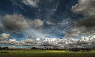 G653D - Gonçalves, Adelino - Love Clouds