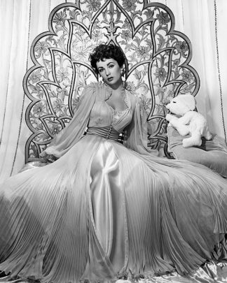 H1354D - Unknown - Elizabeth Taylor 1951 Glamour Shoot