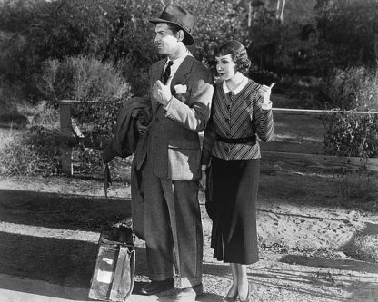 H1373D - Unknown - Clark Gable and Claudette Colbert 1934 'It Happened One Night'