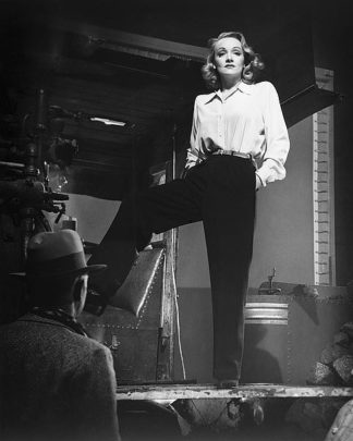 H1377D - Unknown - Marlene Dietrich 1940