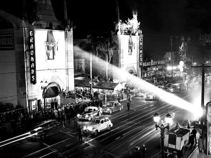 H1378D - Unknown - Grauman's Chinese Theatre Hollywood Blvd. 1944