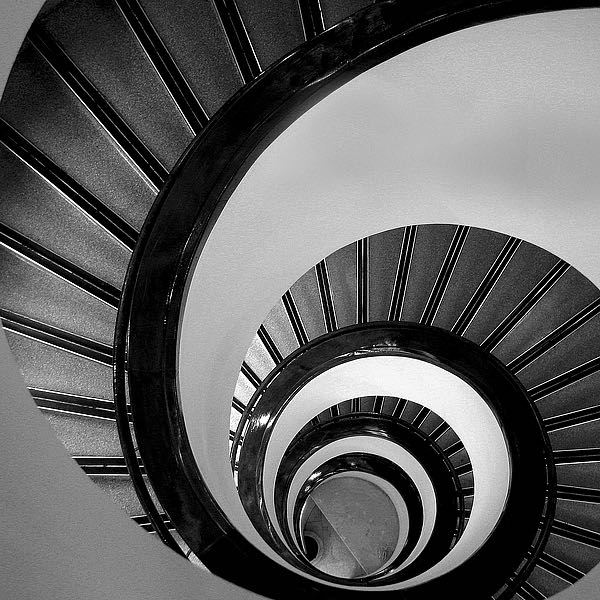 IN255_3 - PhotoINC Studio - Spiral Staircase No. 3