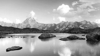 IN34052 - PhotoINC Studio - Mountain lake