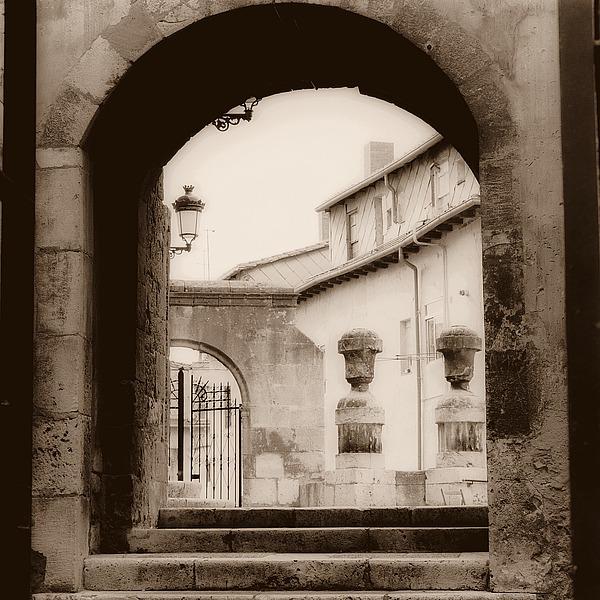 B1231D - Blaustein, Alan - Courtyard in Burgos