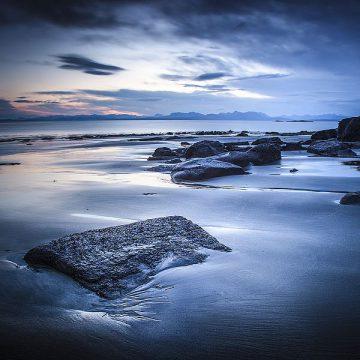 D1041D - Douglas, Lynne - Staffen Bay, Looking East