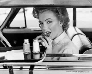H1017 - Halsman, Philippe - Marilyn Monroe at the Drive-In, 1952