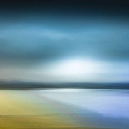 D1947D - Douglas, Lynne - Of Mist and Rain