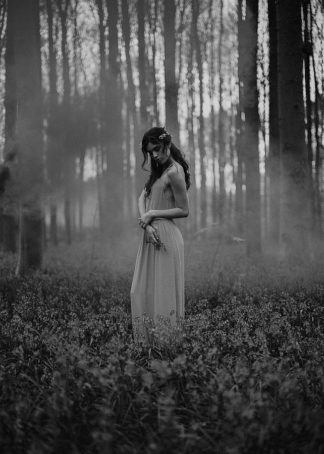 MF969-A102 - Design Fabrikken - Girl in the Woods