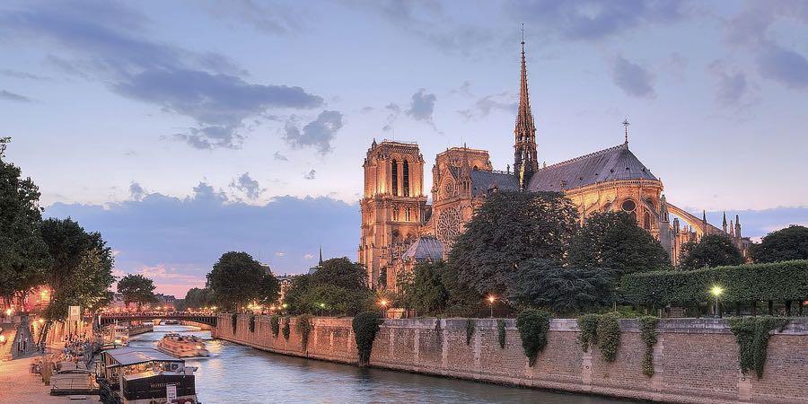 B3763D - Blaustein, Alan - River View - Notre Dame