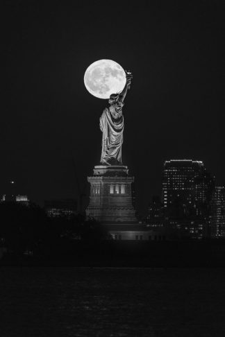 G2063D - Getty, Bruce - Full Moon New York