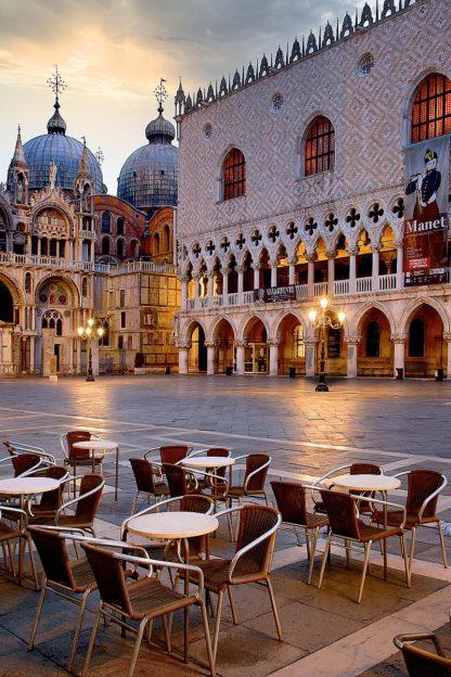 B4030D - Blaustein, Alan - Piazza San Marco At Sunrise #2