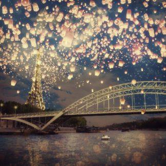 F844D - Flores, Paula Belle - Love Wish Lanterns Over Paris