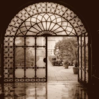 Courtyard in Venezia (sepia)