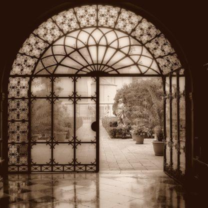 Courtyard in Venezia (sepia)